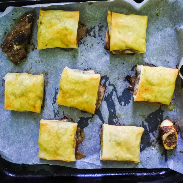 Bake in the oven (flap side down, of course) for 15-20 minutes or until parcels are crunchy and the lamb is cooked to your liking.