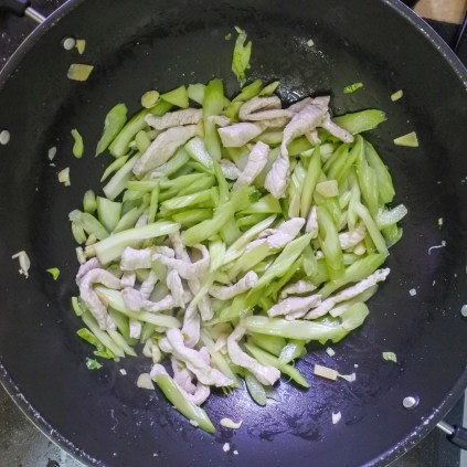Add celery, season with salt and pepper and cook for 2-3 minutes on high heat. Celery should be slightly cooked but still crisp.
