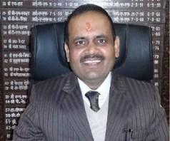 Dm Vinod Kumar Suman Struggle. - मजदूरी करके पूरी की पढ़ाई और आज हैं डीएम -  Amar Ujala Hindi News Live