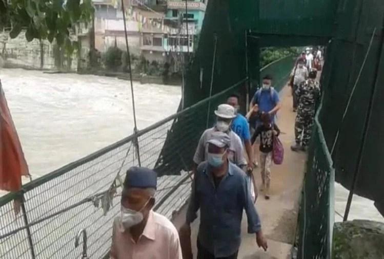 भारत-नेपाल सीमा: अब बिना पास के अंतरराष्ट्रीय झूलापुल से दोनों देशों के बीच नहीं होगी आवाजाही