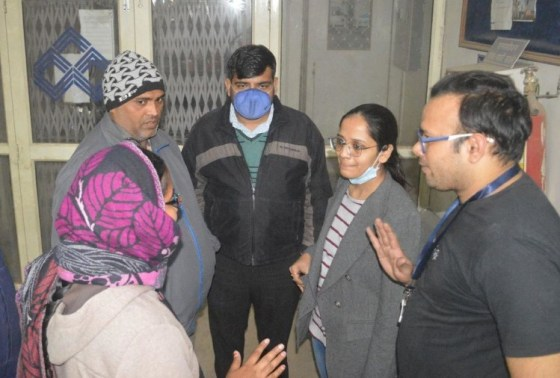 Agra bank robbery case: Bank employees miss due to fall