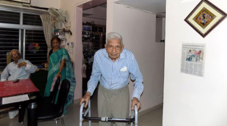 पटना के 98 वर्षीय बुजुर्ग को मिली एमए की डिग्री के लिए इमेज परिणाम