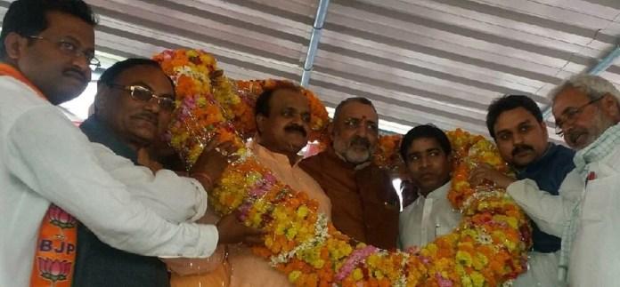 giriraj singh statement about azam khan