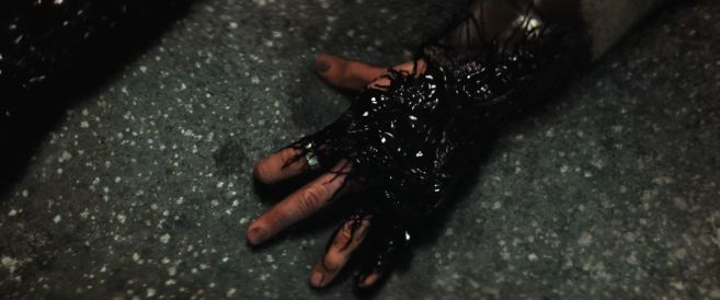 Venom - Trailer 3 - 0120