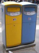 Cassette della posta. Quella blu è per la posta destinata allo stesso CAP (lokalpost) - fonte Wikipedia