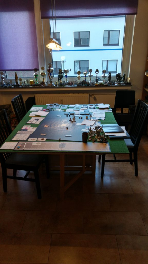 Alex Spielezimmer mit Pokalen