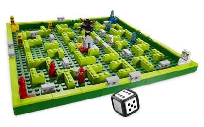LEGO 3841 aufgebautes Spielfeld