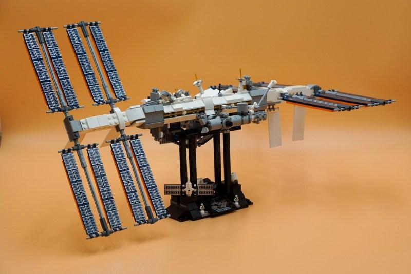 ISS Komplett