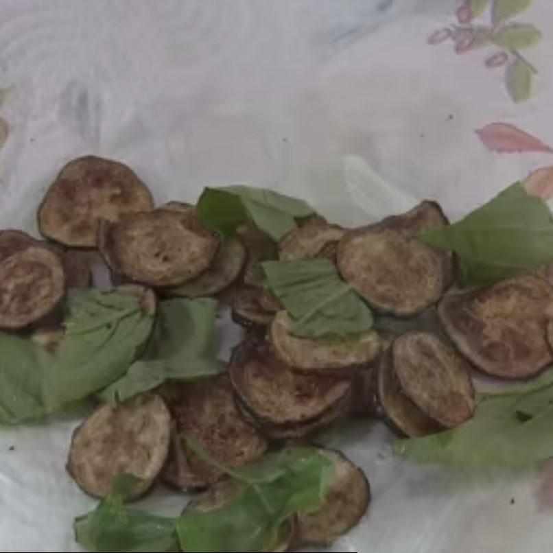 zucchine con basilico