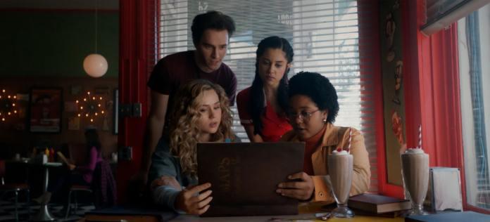 Watch Stargirl Season 2 Episode 4