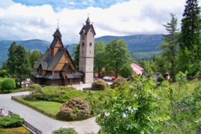 Slik ser kirken ut i dag. Ikke like trist som i Ethan Carter (bilde: Kościół Wang).