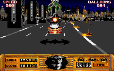 Tilbake i Gotham Citys gater, nå med batwingen i stedet for batmobilen.