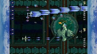 Som de fleste slike spill brukte arkadeoriginalen en 4:3-monitor satt på høykant. Om du har mulighet til å gjøre det samme med din egen skjerm, støttes det av spillet.
