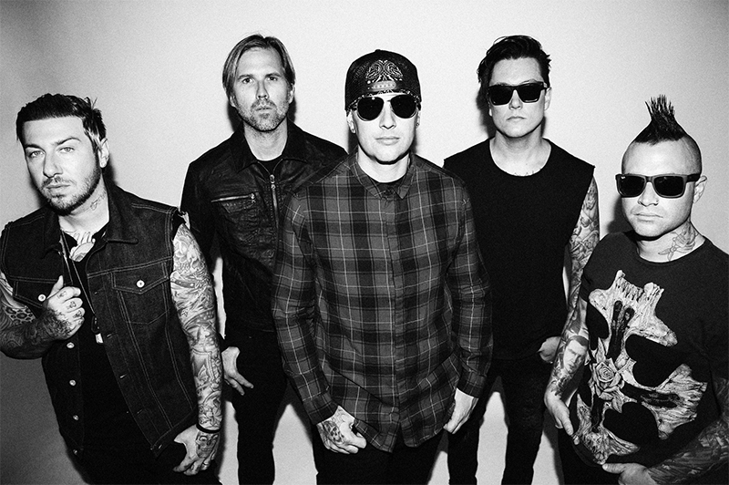 SPILL LIVE REVIEW AVENGED SEVENFOLD CANADIAN TIRE