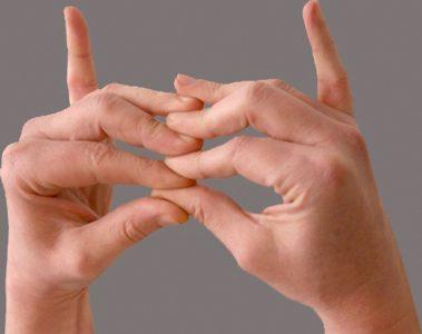rheumatoid arthritis ujjkezelés)