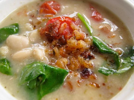Italian Bean Soup from Spinach Tiger