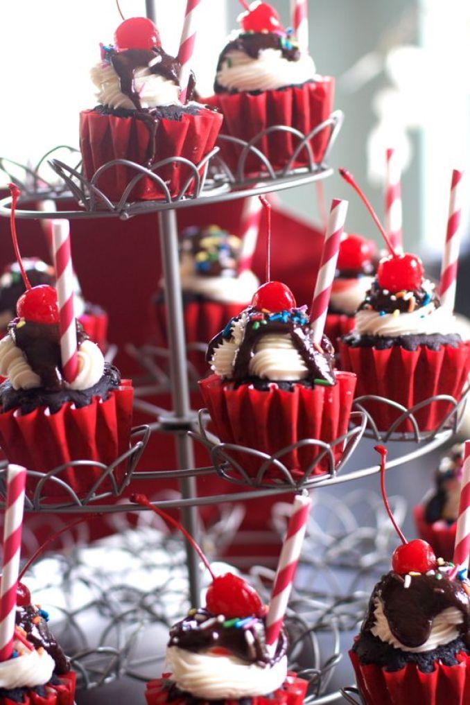 Make the Best Chocolae Sundae Cupcakes by Angela Roberts