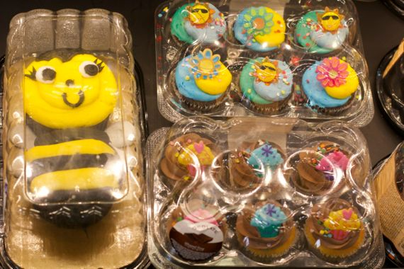 Cupcakes at the Franklin Kroger Marketplace by Angela Roberts