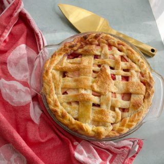 How to Make a Christmas Apple Pie from Spinach TIger