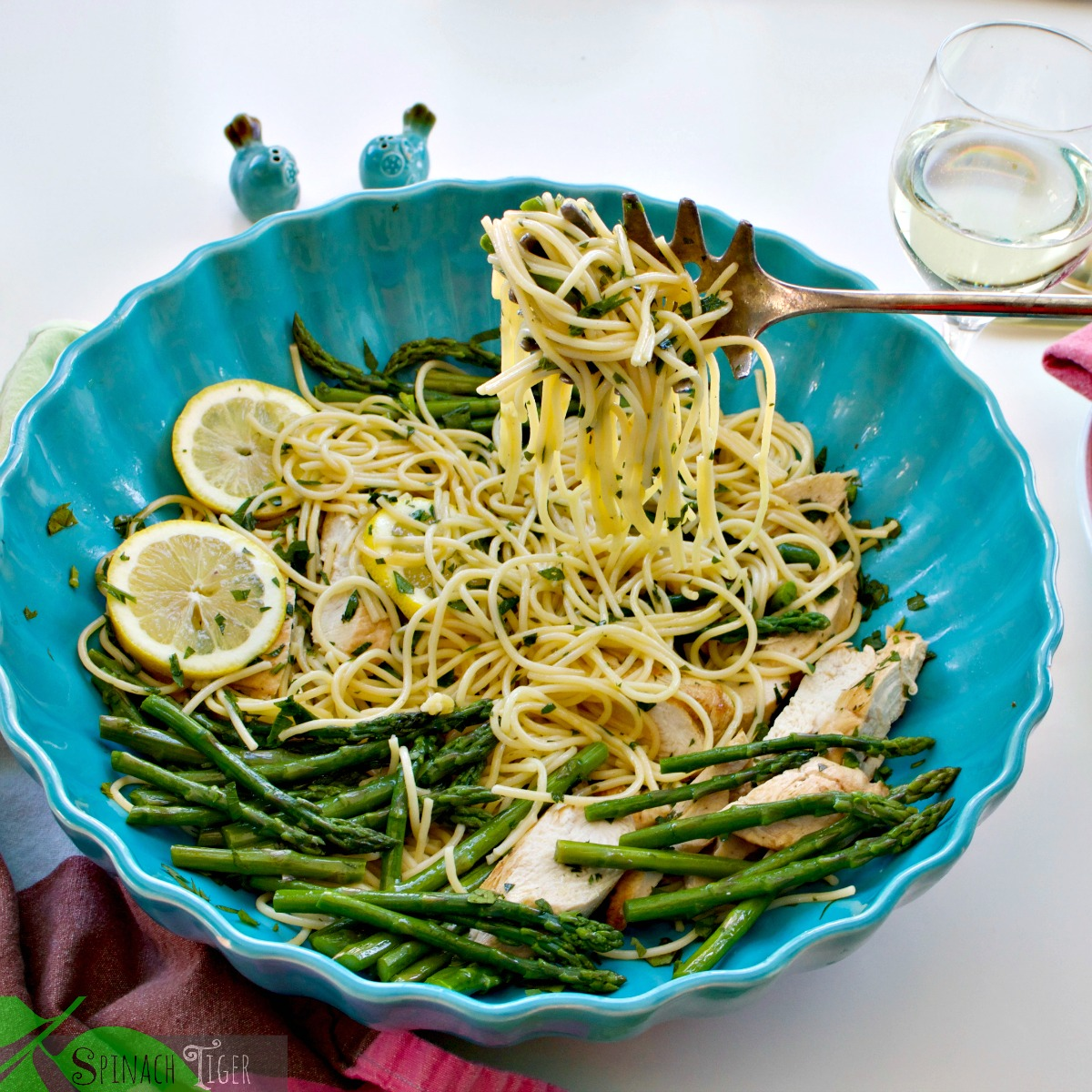 How to Make Chicken Asparagus Pasta Recipe from Spinach Tiger