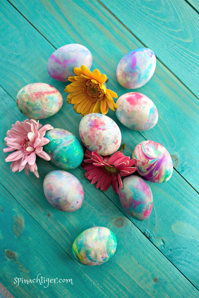 How to Color Eggs with Whipped Cream or Shaving Cream for Beautiful Easter Eggs from Spinach Tiger