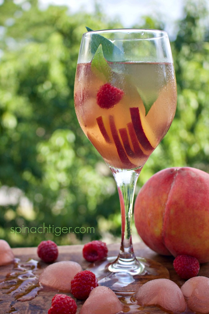 How to Make Peach Sangria from Spinach Tiger