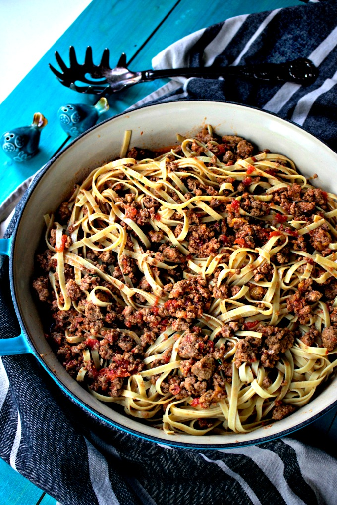 Make Italian Pork and Peach Bolognese from Spinach Tiger