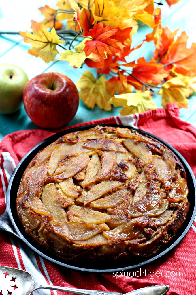 Low Carb Apple Upside Down Cake from Spinach Tiger #glutenfree #keto #apple #cake #almondflour #paleo #recipe