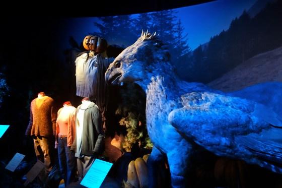 """Vor Hagrids Hütte: Seidenschnabel aus """"Harry Potter und der Gefangene von Askaban"""""""
