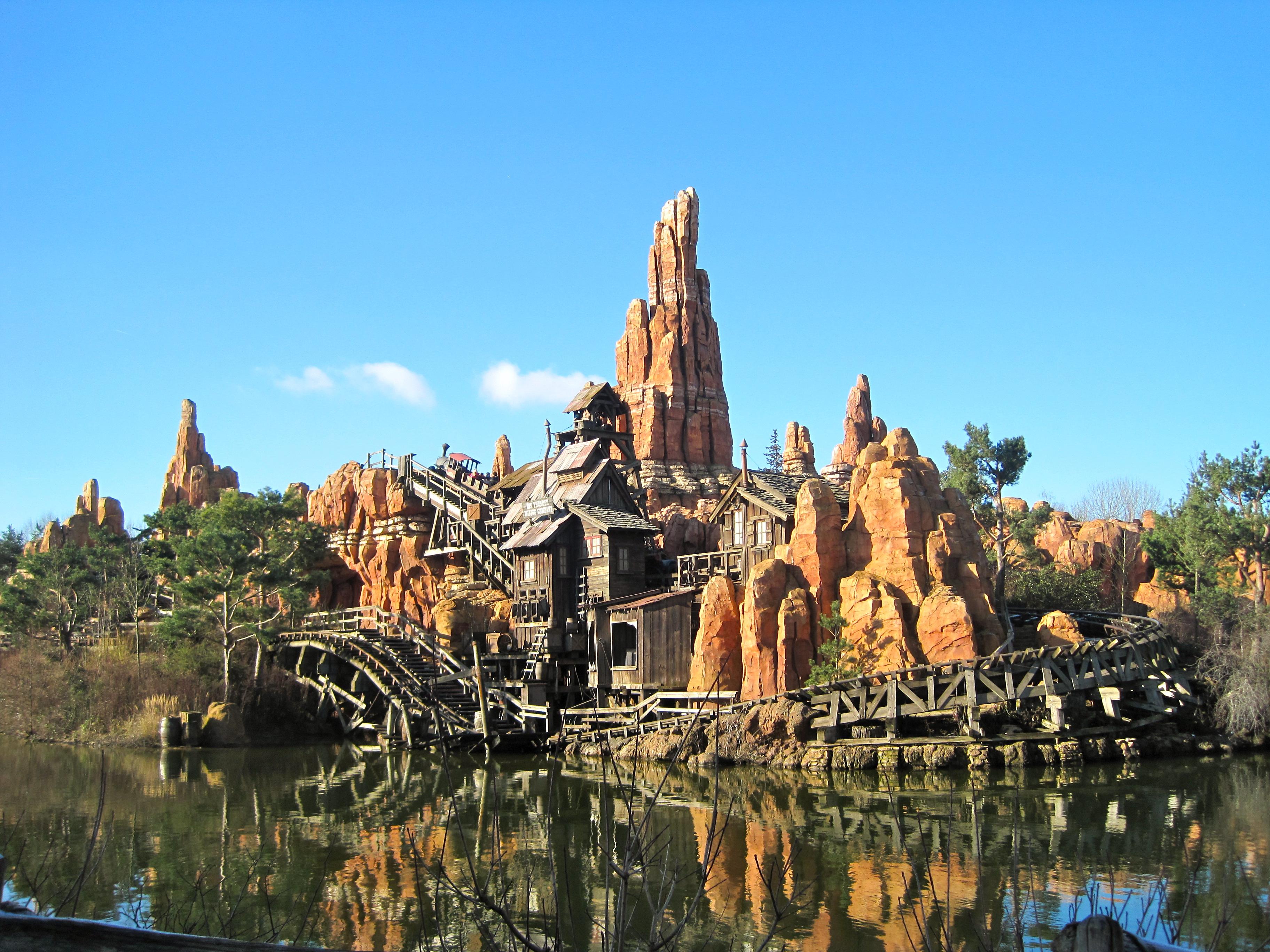 Karte Disneyland Paris Attraktionen.Tipps Und Tricks Wie Plane Ich Eine Reise Ins Disneyland