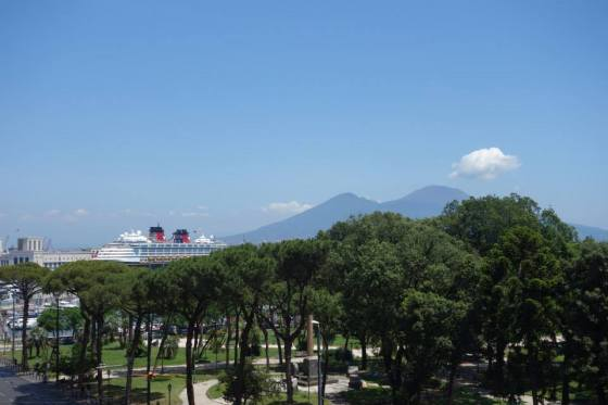 disney-cruise-magic-neapel-vesuv