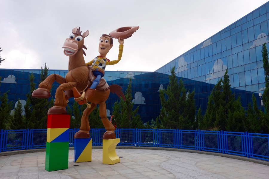 disney-china-trip-toy-story-hotel