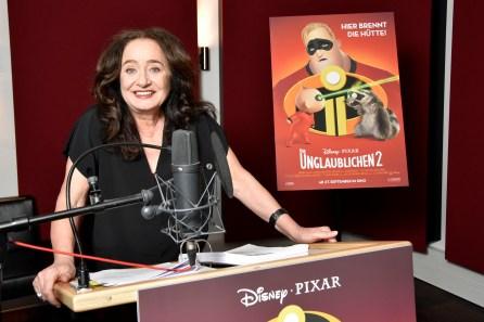 die-unglaublichen-2-edna-mode-mechthild-grossmann-synchronstimme-disney-pixar