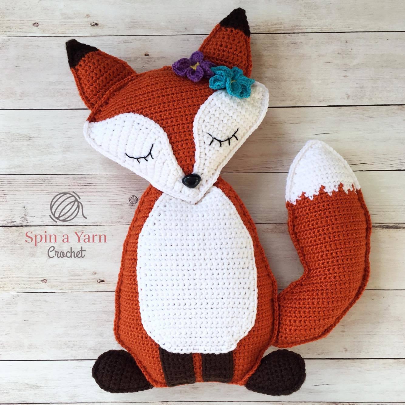Sleeping fox amigurumi pattern | Amiguroom Toys | 1334x1334
