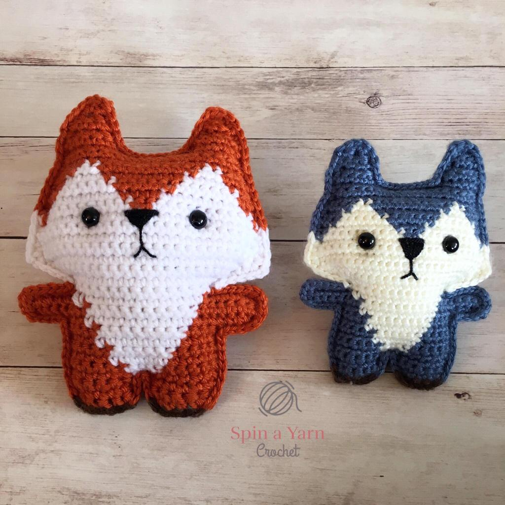 Size difference between orange fox and blue fox