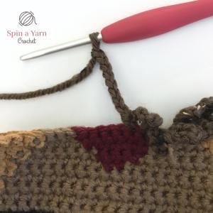 Crocheting chain loop st