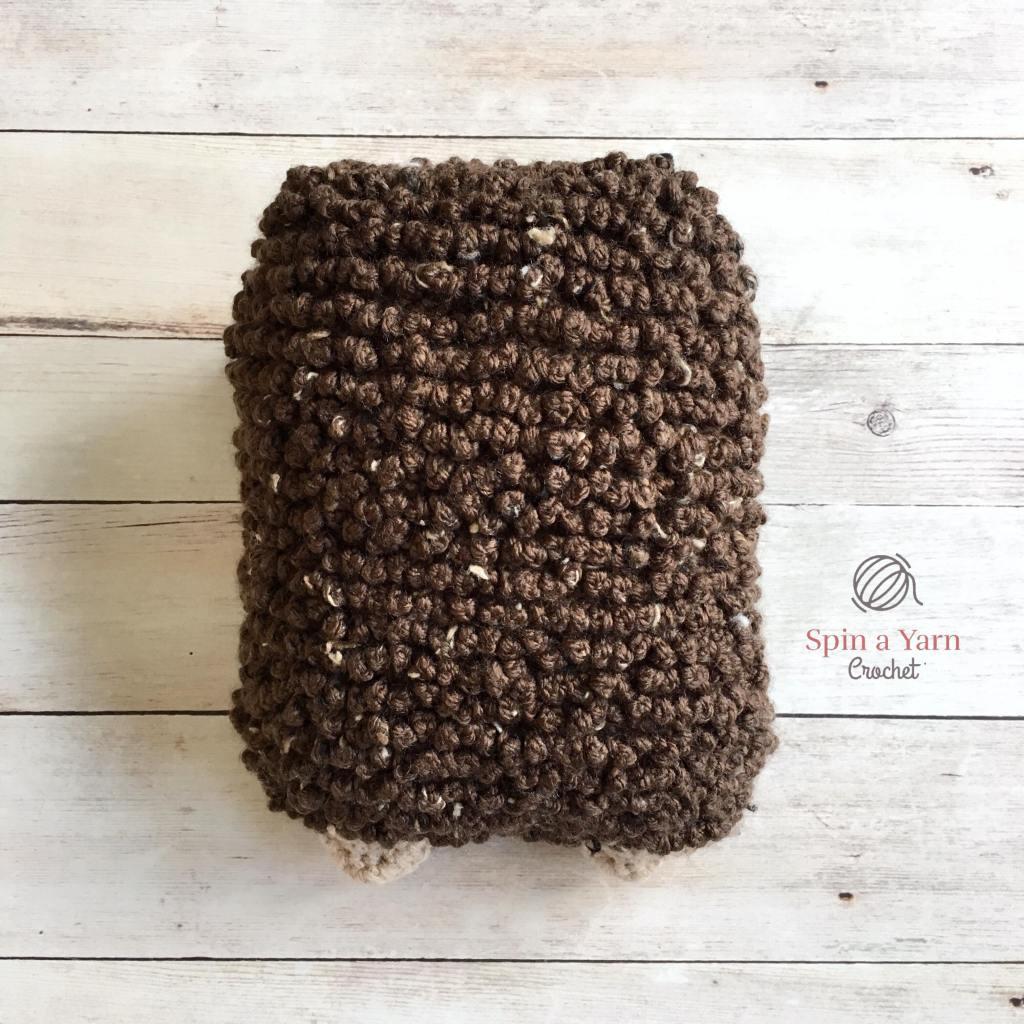 Back of crochet Hedgehog