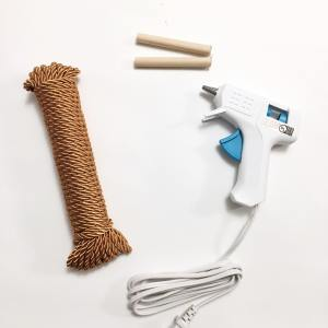 Glue gun and silk cord