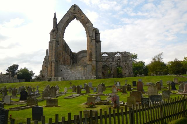 ruined abbies (Bolton Abbey)