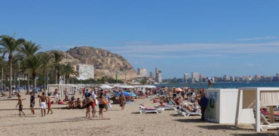 the beach in Alicante