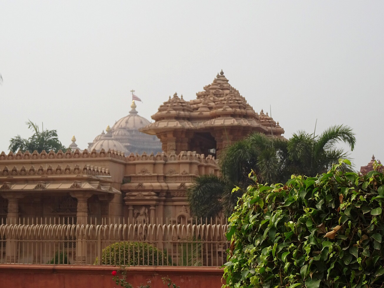 Akshardham Temple, New Delhi, India - spinthewindrose.com