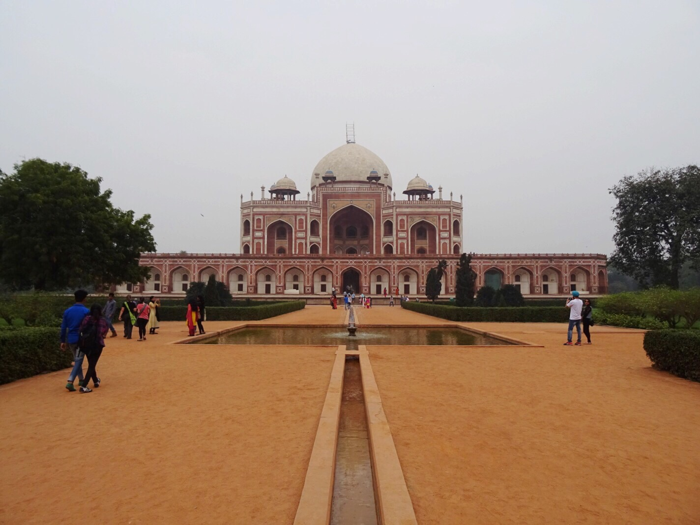 Humayan's Tomb, New Delhi, India - spinthewindrose.com