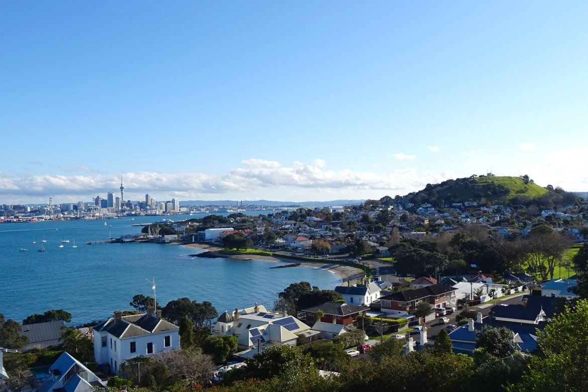 how to save money on a working holiday visa in auckland. Black Bedroom Furniture Sets. Home Design Ideas