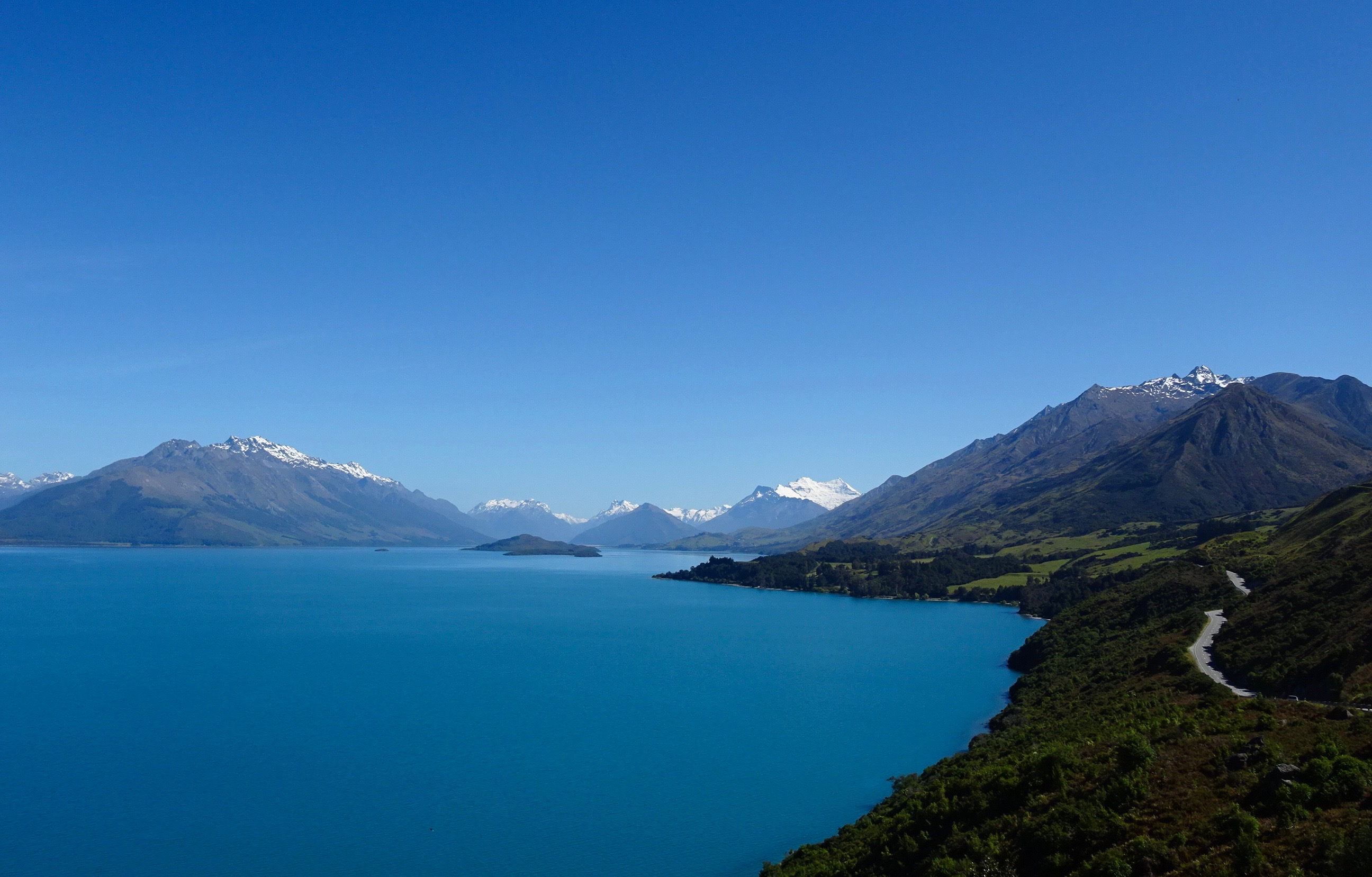 Lake Wakatipu, New Zealand - spinthewindrose.com