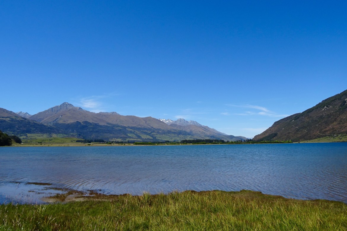 Lake Diamond, Paradise, New Zealand - spinthewindrose.com