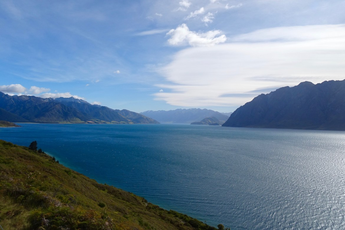 Lake Hawea, New Zealand - spinthewindrose.com