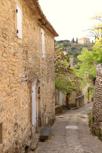 Charming French Towns in Provence - spinthewindrose.com
