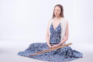 Méditation voyage sonore femme qui médite