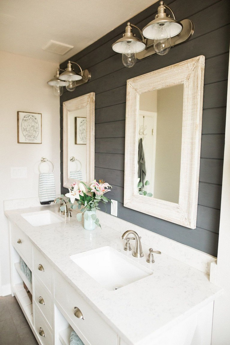 53+ Amazing Modern Farmhouse Small Master Bathroom Ideas ...