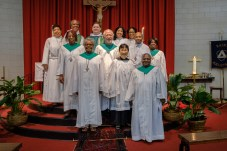 Fr. Chas and all the people helping with the service on Sunday September 16, 2018. Image: Gary Allman